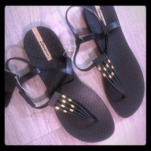 Ipanema strappy black sandals